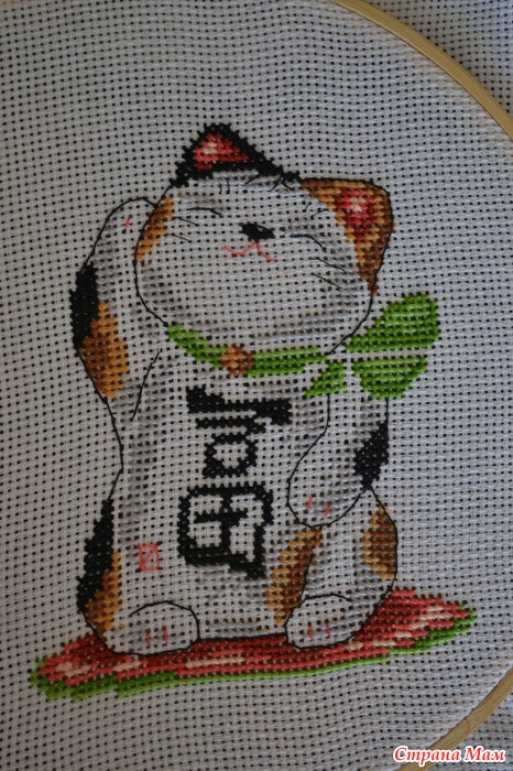Вышивка крестом манэки-нэко 63