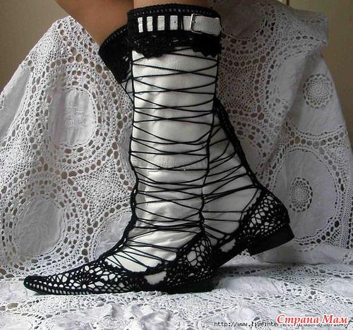Вязанная обувь и не только (много фото для вдохновения + схемы)