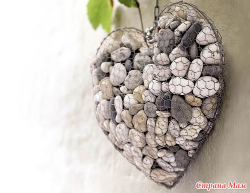 Необычный дизайн из камней в саду
