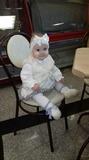 Маленькая леди в белом!
